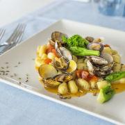 Gnocchi di patate con vongole e semi di finocchio