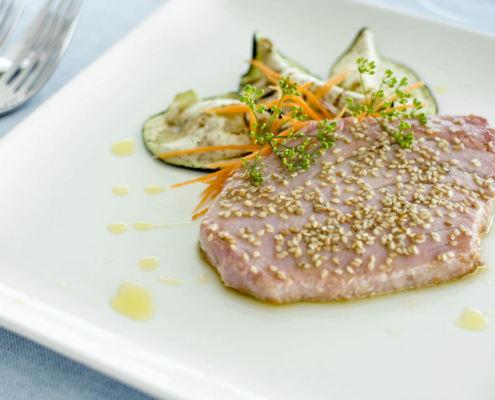 Thunfischfilet mit Sesamgeruch